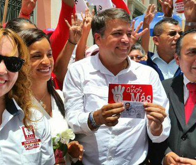 Edwin Escobar candidato a la Alcaldía de Villa Nueva Recibe sus Credenciales