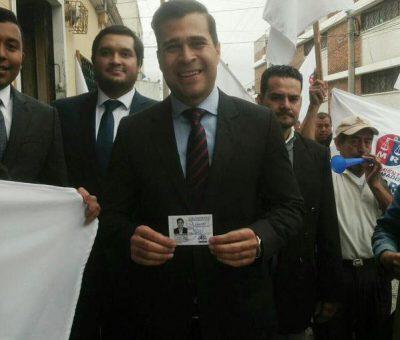 Neto Bran del Partido Movimiento Reformador recibe su credencial