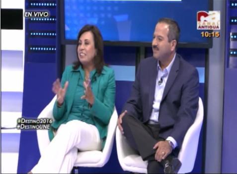 Entrevistada Sandra Torres y Mario Leal Castillo