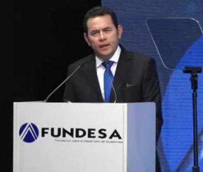 Jimmy Morales confunde una estrofa del Himno Nacional en Pleno Descurso