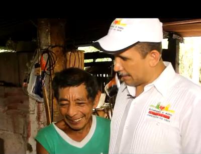 Video Erik Suñiga Alcalde de Ayutla Hace Campaña Anticipada