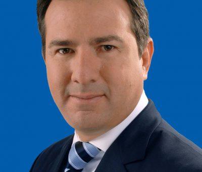 Hoja de Vida del Precandidato del PRI Luis Fernando Pérez Martínez