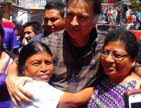 Alfonso Portillo Recibe el apoyo de miles de personas