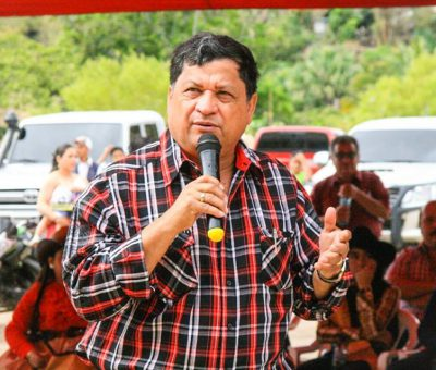 Diputado Baudilio Hichos se va del partido Líder