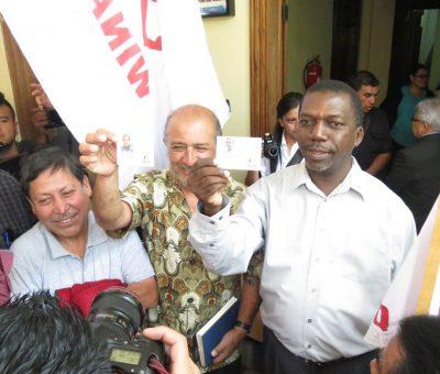 Binomio Presidencial de URNG-Winaq Reciben sus Credenciales