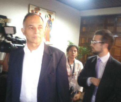 Abogado Alfonso Carrillo acciona en la CC para suspender las elecciones
