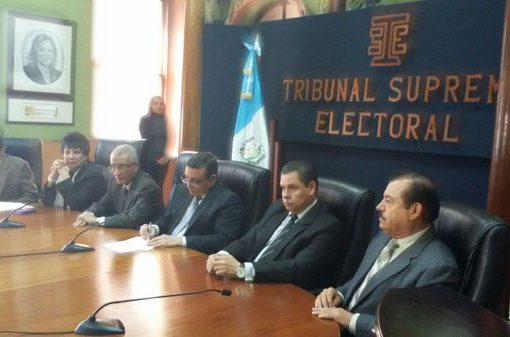 Magistrados del Tribunal Supremo Electoral anuncian los 16 Diputados que no podrán asumir su cargo. F